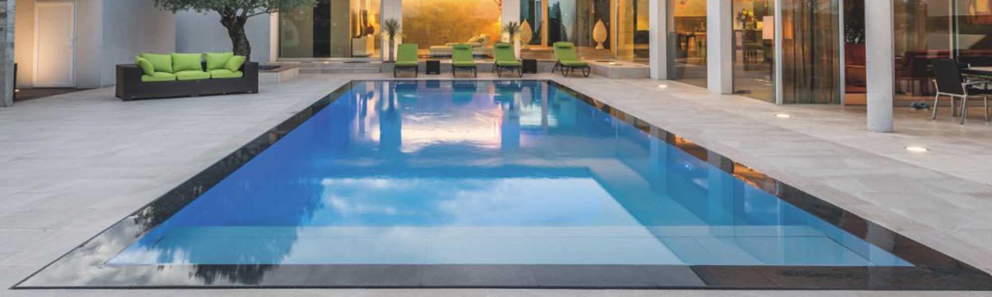 Piscine miroir d bordement de plaisir et de luxe conseil for Kit piscine miroir